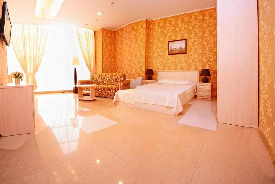 4 лучших отеля Евпатории