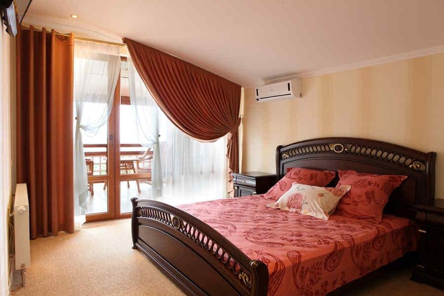 Лучшие отели Гурзуфа с бассейном и собственным пляжем