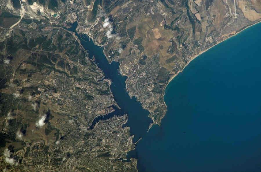 Карта Крыма со спутника: полуостров, как на ладони!