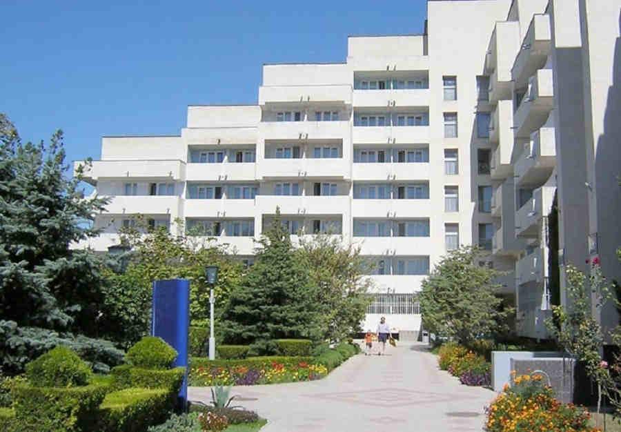 Недорогие пансионаты, санатории Крыма: отличный отдых по низким ценам