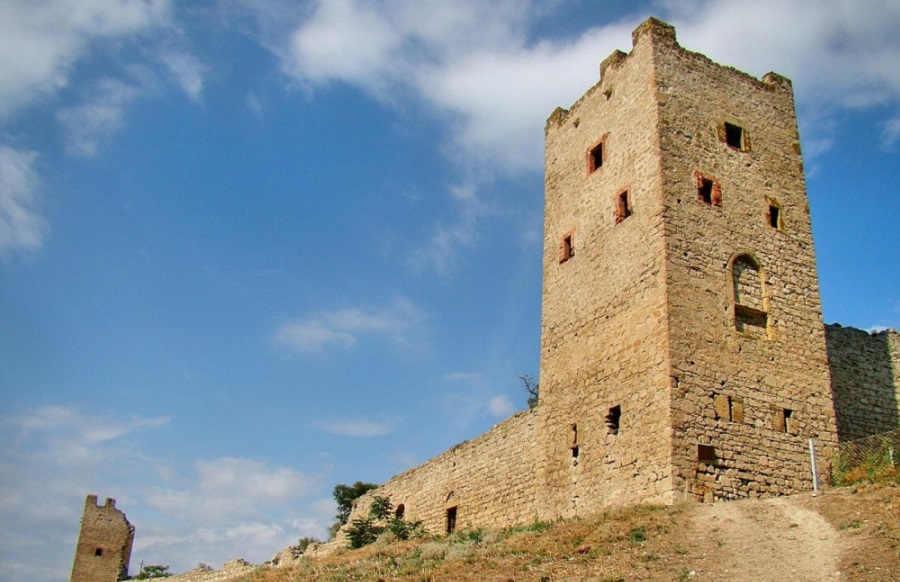Генуэзская крепость Кафа: Феодосия хранит свое историческое наследие