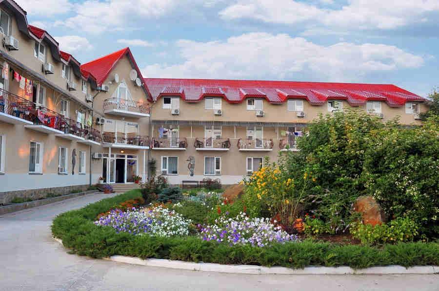 Уютный и доступный отдых в Крыму 2019: санатории и пансионаты