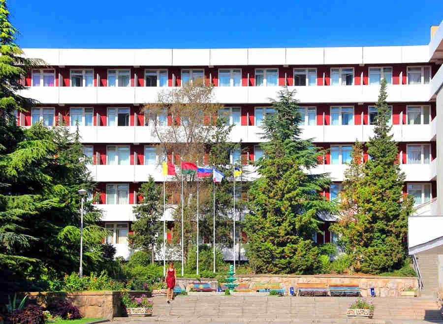 Санаторий, Алушта, Крым, официальный сайт: лечение у моря