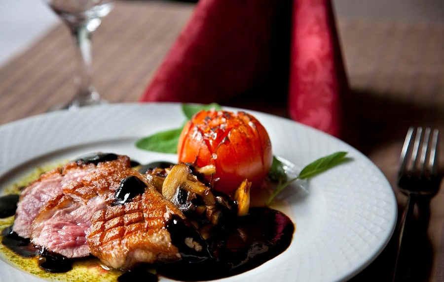 Ресторан «Чистые пруды», Симферополь: словно в тропическом раю