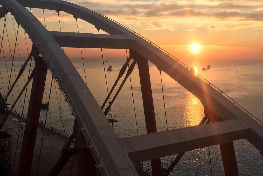 Автодорожная арка Крымского моста: все о конструкции