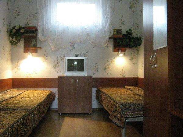 Зеленый дворик Севастополь 10