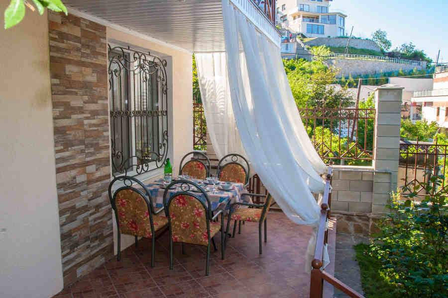 Как и где снять жилье в Крыму недорого для отдыха?