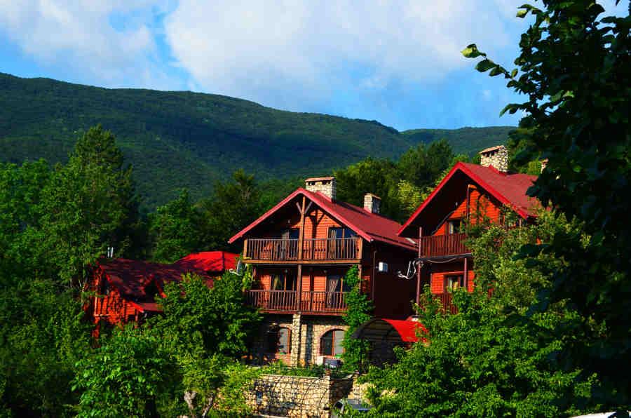 Усадьбы Крыма для отдыха в горах и на море
