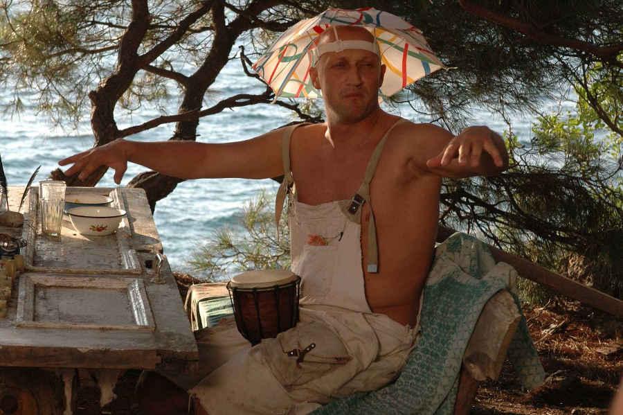 Отдых в Крыму по фильмам: комедия, море и скалы