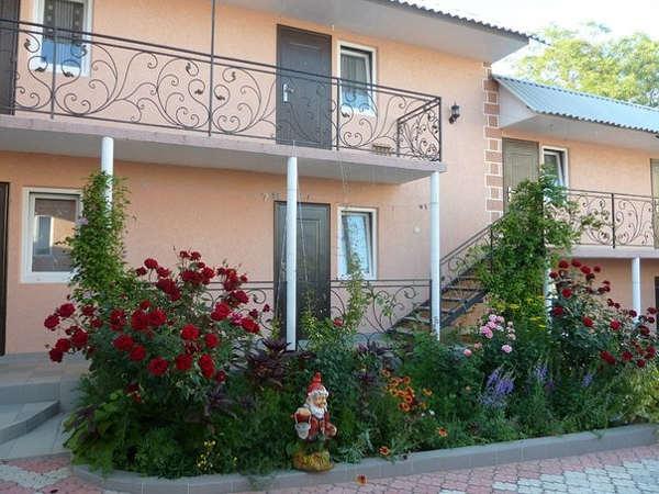 Гостевой дом Цветочный в Севастополе 1