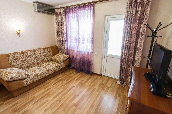 Гостиница Людмила в Штормовом 8