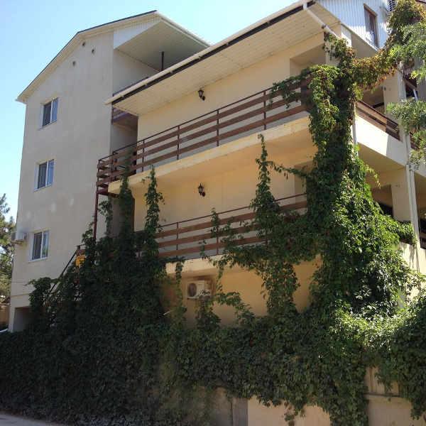 Гостиница Итальянский дворик в Саках 1