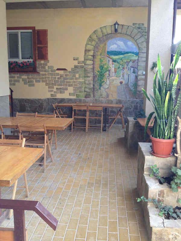 Гостиница Итальянский дворик в Саках 8