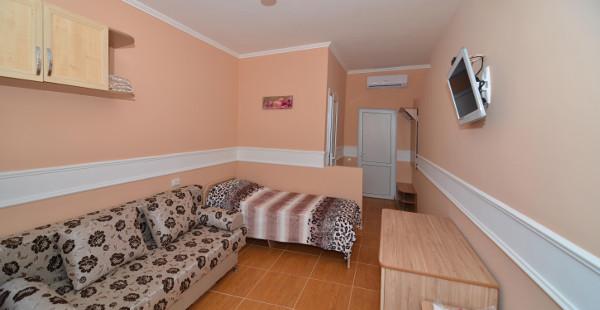 Гостиница Уютный дворик в Песчаном 8
