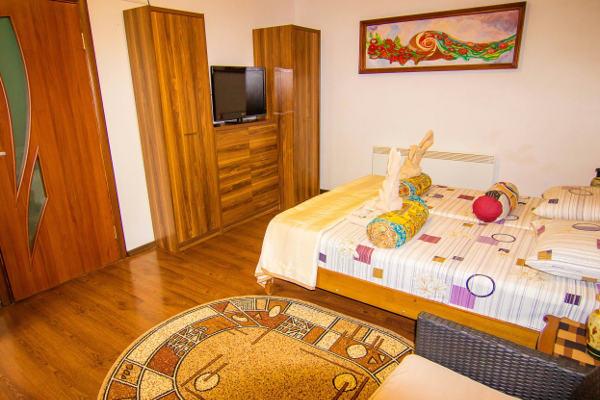 Гостиница Яна-Каро в Черноморском 4