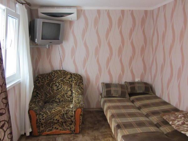 Гостевой дом в центре Алупки 17