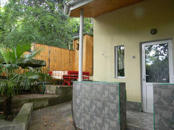 Дом, коттедж, комнаты, апартаменты в Алупке 11