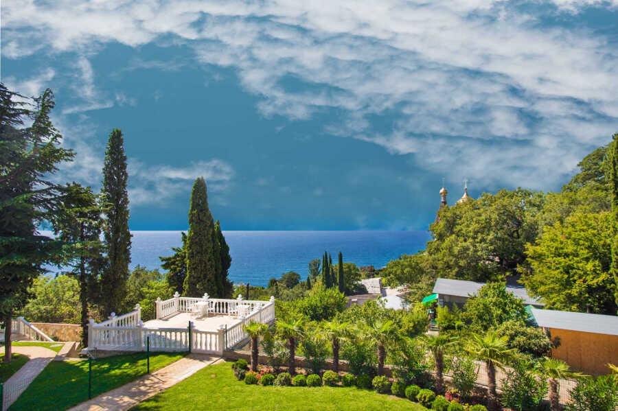 Отдых в Алупке: преимущества, погода, отзывы и цены