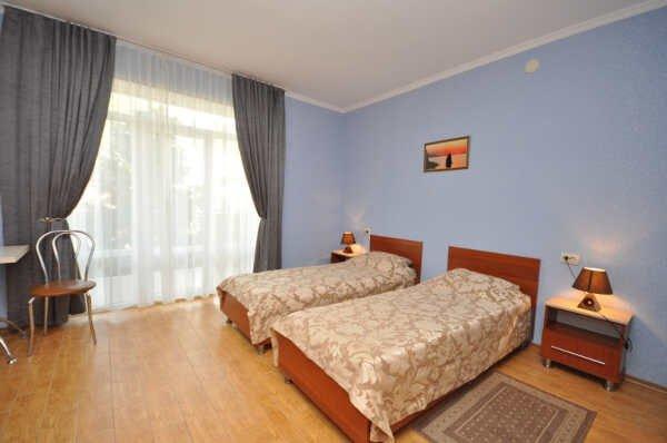 Гостиничный двор «Яхонт» в Черноморском