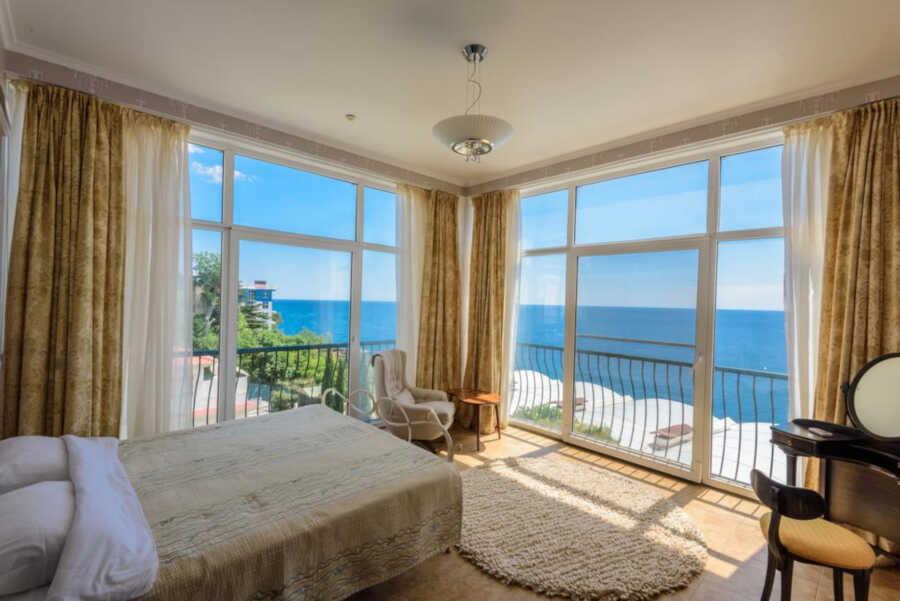 Лето в Алупке: отели и гостиницы у моря