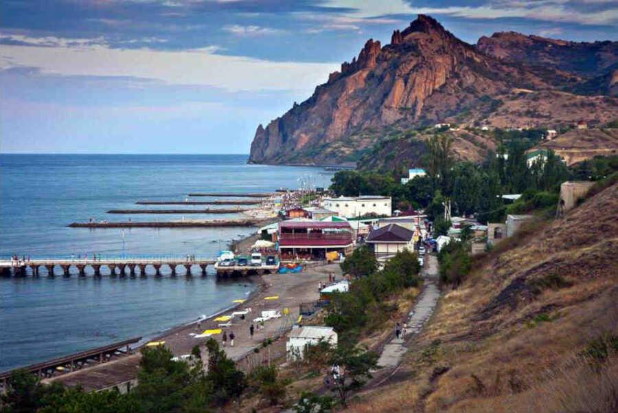 Степь, горы и море на отдыхе в Курортном в Крыму
