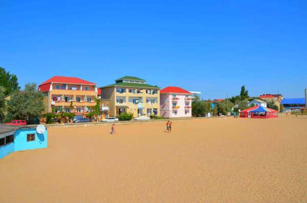 Особенности поездки в Крым на базу отдыха «Прибой» в частные пансионаты