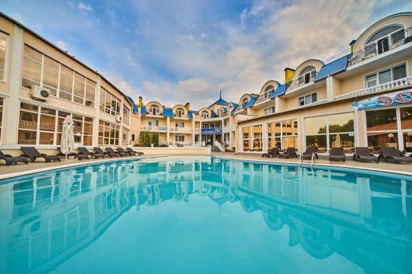 Гостиницы Евпатории: преимущества, услуги, цены