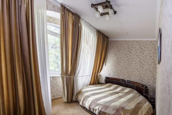 Отель Равенна в Алуште