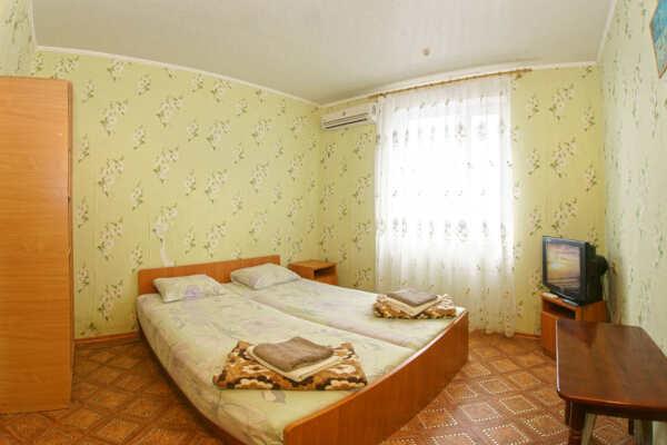 База отдыха Маяк в Николаевке (Симферополь)