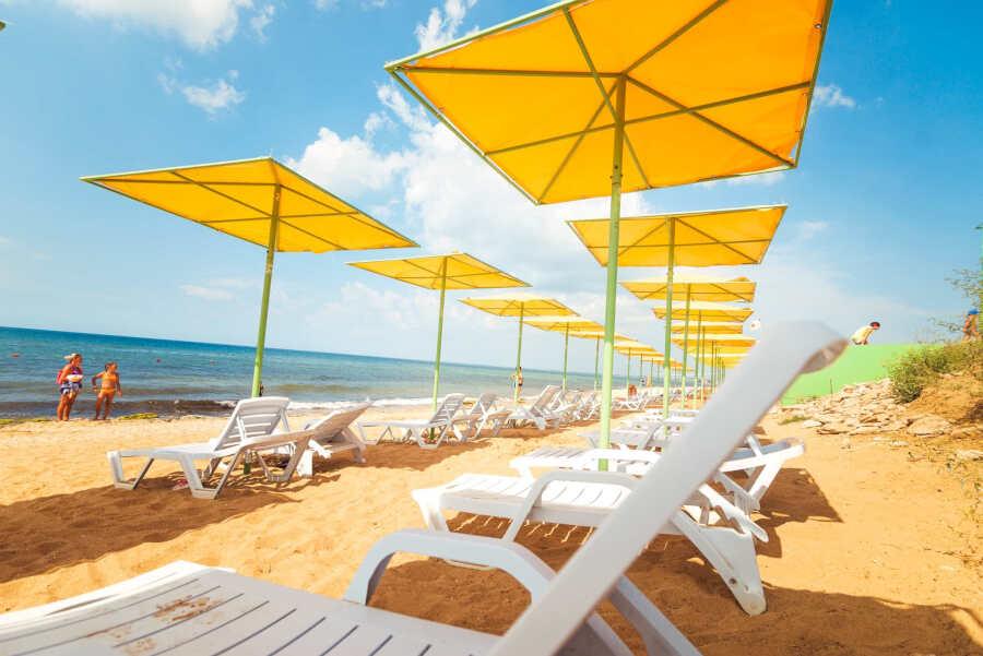 Курорт Береговое около Феодосии для отдыха 2020: преимущества, жилье, развлечение, цены, пляжи