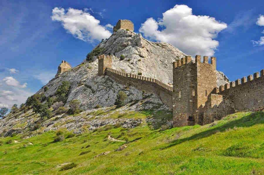 Судак: достопримечательности на Черноморском побережье