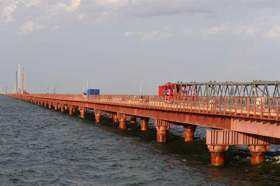 Керченский мост просел. Так ли это?