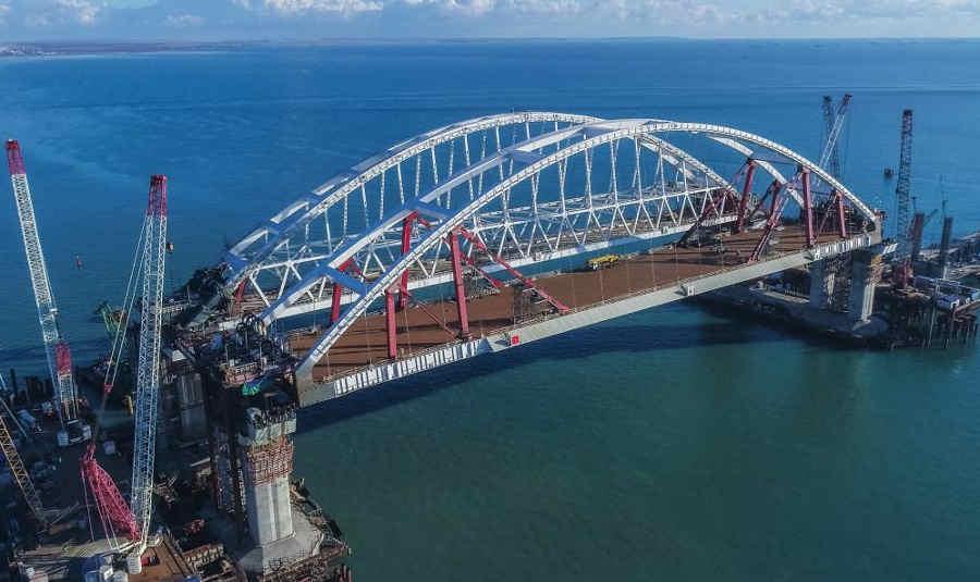 Транспортировка автомобильной арки Керченского моста