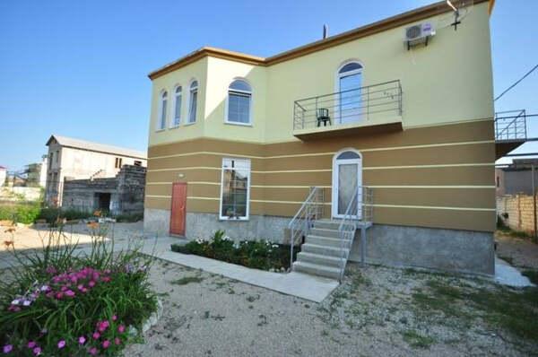 Гостевой дом «Ларимар» в Береговом