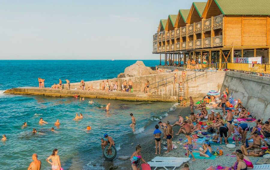 Отпуск в Алупке в частном секторе: преимущества, цены, советы