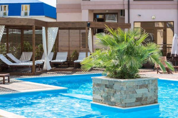 Гостиницы в Саках: виды, аренда, цены