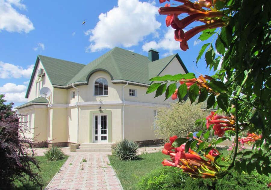 Выбираем дом в Евпатории: особенности районов, жилого фонда, аренды